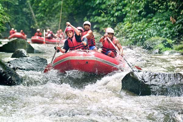 Bakas Levi Rafting at Melangit river