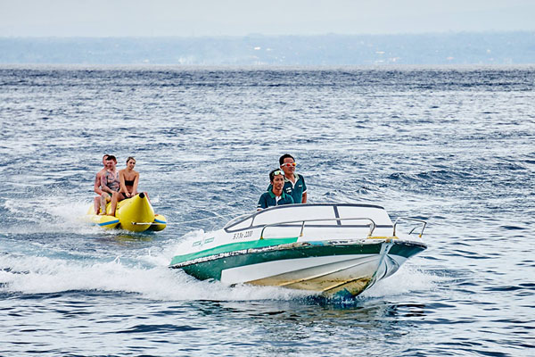 Banana boat by Scoot Fast Cruise in Lembongan