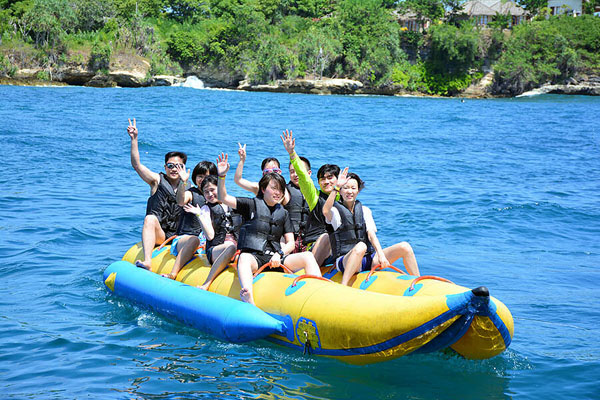 banana boat with bounty cruise bali