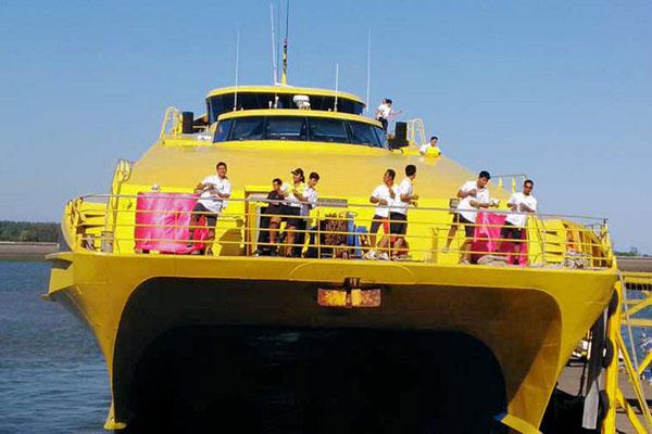 bounty bali, catamaran, bali cruises