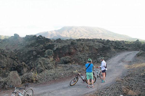 explore batur, mount batur, cycling tour, batur sunrise bike tour