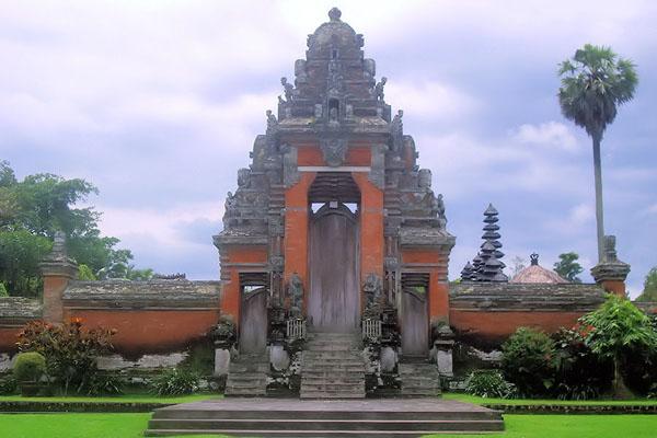 taman ayun temple, gapura bali