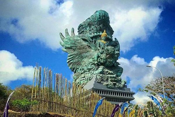 garuda kencana cultural park