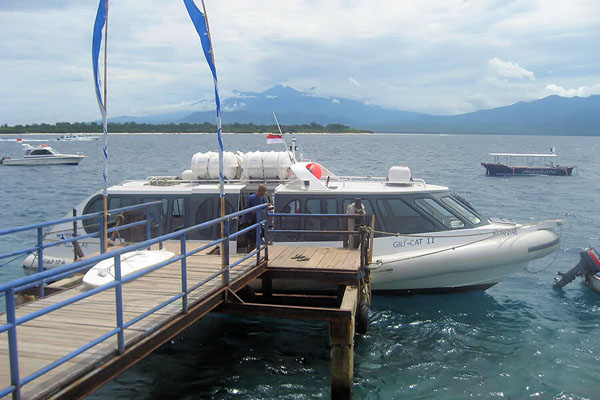 gili cat 2 fast boat view