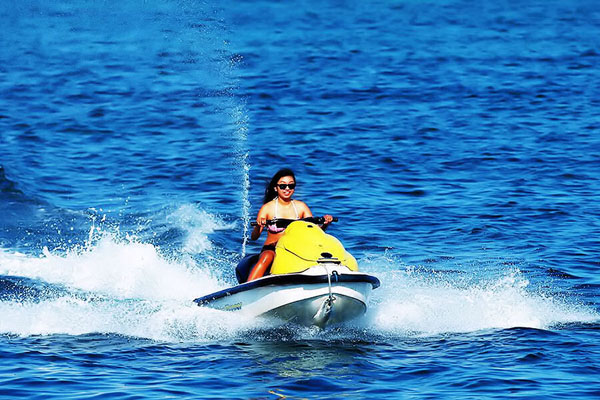 jet ski, own drive, hot dog water sports