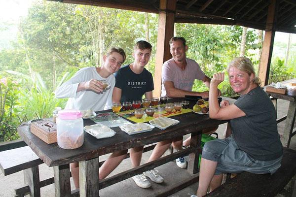 light breakfast, coffee plantation, tegallalang