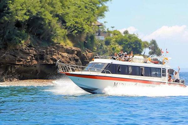 marlin fast boat, arriving in lembongan