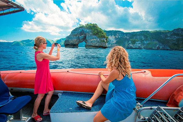 nusa penida view, three island day cruises, bali hai cruise