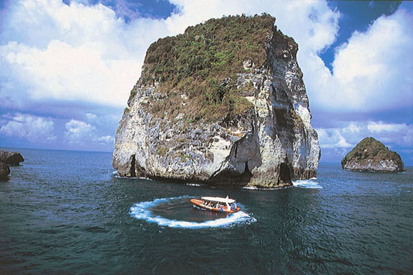 Ocean Rafting Cruise Program by Bali Hai
