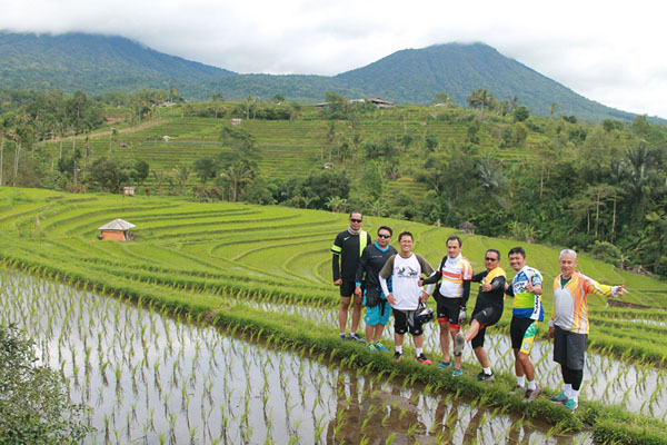 photo session, rice terrace, jatiluwih, cycling tour