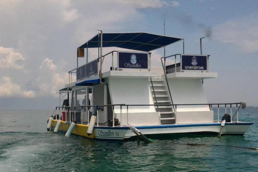 pontoon at sanur bali, seawalker by Club aqua