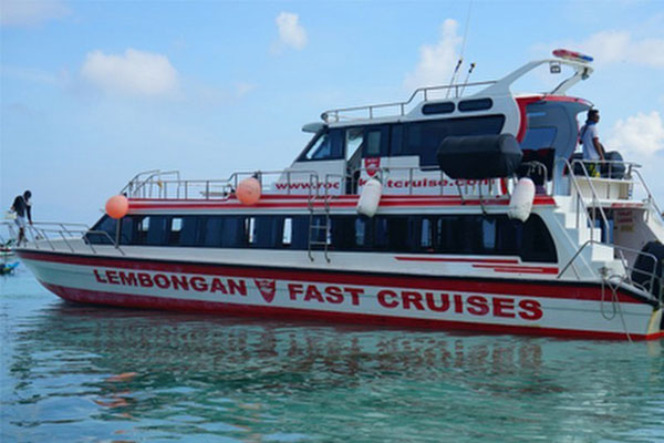 Rocky fast boat transfer to Lembongan Island