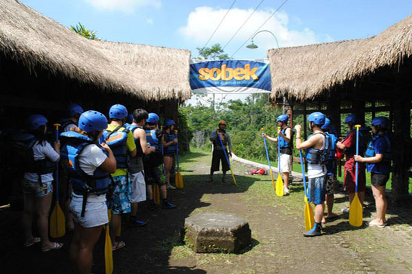safety talk, guide, rafting adventure, sobek bali adventure