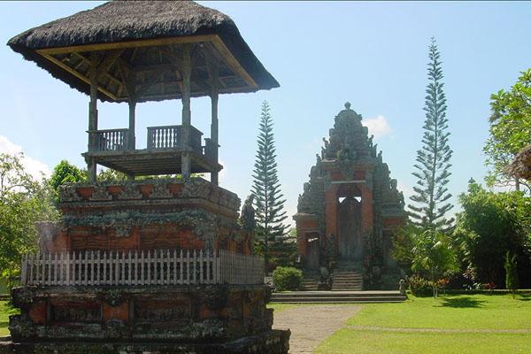 taman ayun temple, gate