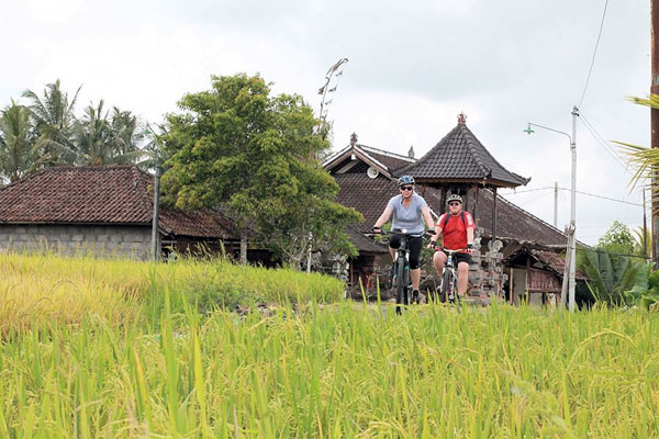 ubud cycling tour, bali moon bike