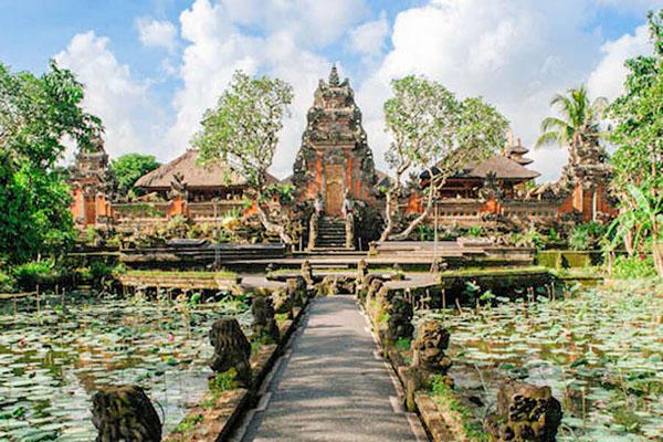 ubud palace, bali royal palace