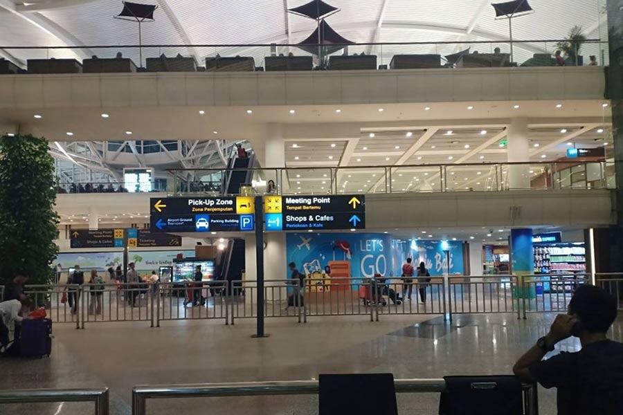 waiting hall at ngurah rai airport
