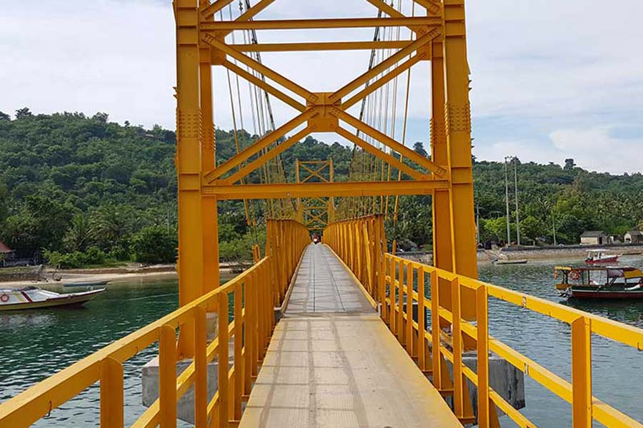 yellow bridge, nusa ceningan, one day lembongan tour